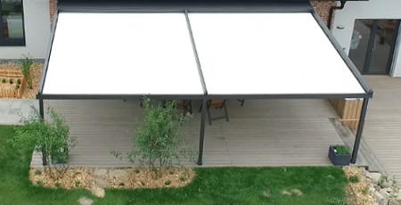 pergola-z-hliniku-s-vytazenou-strechou