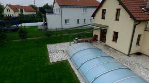 Realizace hliníkové pergoly u bazénu 8