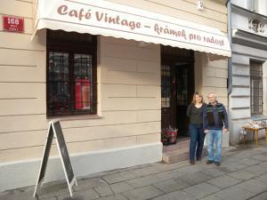 Košová markýza nad krámkem Praha
