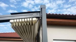Detail stahovací střechy
