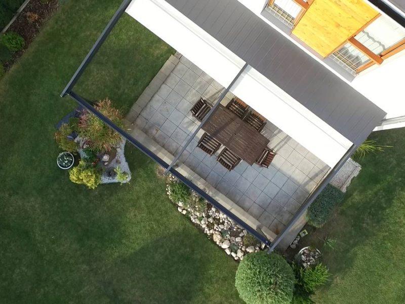 Pergola na zahradu s otevřenou střechou