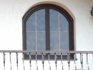 Atypická síť do obloukového okna