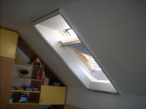Rolovací sítě do střešních oken